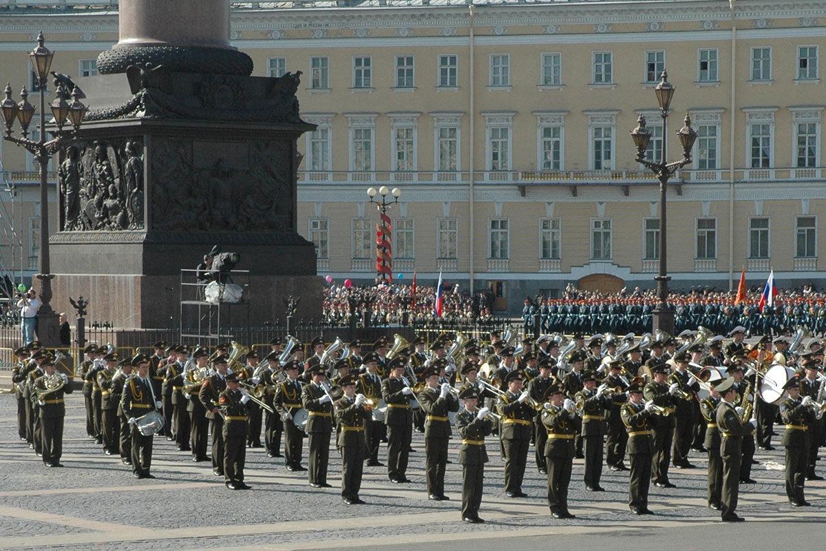 Торжественный парад на Дворцовой площади