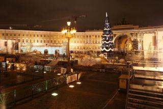 Новогодние гуляния на Дворцовой площади 2011