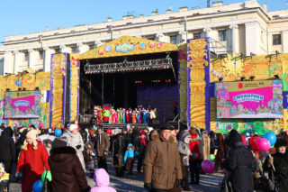 Театрализованное шоу «Смешарики на Дворцовой»